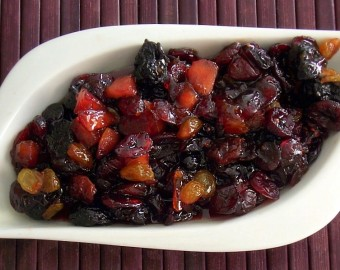 CRANBERRY AND DRIED FRUIT COMPOTE2