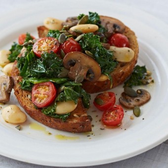 Pan-fried mushroom, tomato and beans