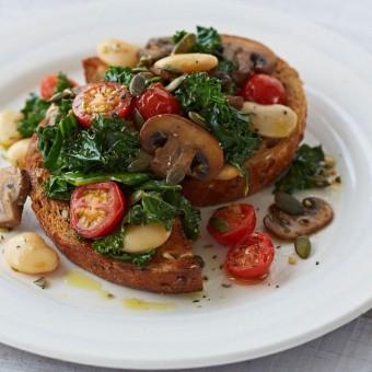 Pan-fried mushroom, tomato and beans